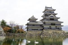 Замок Masumoto, черный в Японии черно-белой Стоковая Фотография RF