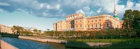 Замок Mikhailovsky в Санкт-Петербурге Стоковые Фотографии RF
