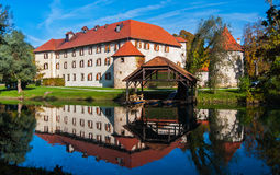 Замок Otocec, Словения Стоковая Фотография