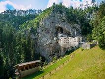 Замок Predjama стоковая фотография rf