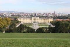 Замок Schönbrunn от Gloriette Стоковое Фото