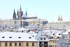 Замок Snowy Праги готический Стоковое Изображение