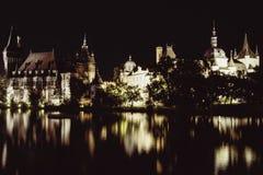 Замок Vajdahunyad на ноче Стоковое Изображение