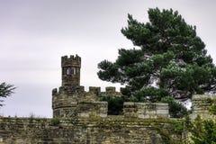 Замок Warwick - насыпь стоковые фотографии rf