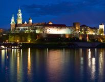 Замок Wawel в Кракове на ноче Стоковое Фото