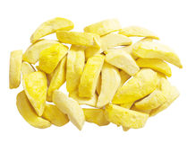 Замораживание манго сухое на белой предпосылке стоковые изображения rf