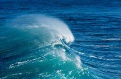 Замороженное движение большой волны на море Стоковые Фотографии RF