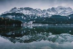 замороженное время Озеро Eibsee Стоковые Изображения