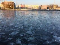 Замороженное оживление реки в Берлине стоковое фото