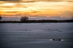 Замороженное озеро на заходе солнца, Ladner, Британской Колумбии Стоковое Изображение RF