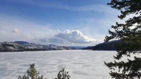Замороженное озеро до Рождества Христова стоковая фотография rf