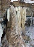 замороженные водопады стоковые изображения rf