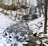 Замороженные водопады и поток Стоковое фото RF