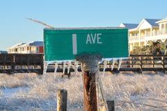 Замороженный знак улицы Стоковые Фото