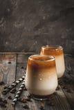 Замороженный кофе с карамелькой стоковые фото