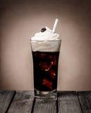 Замороженный поплавок кофе с сметанообразным ванильным мороженым Стоковое Изображение