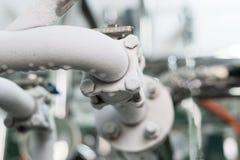 Замороженный промышленный трубопровод компрессора рефрижерации стоковые фото
