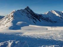 Замороженный резервуар и Tuxer Joch стоковые фото