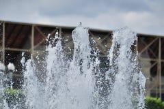 Замороженный фонтан двигателя в городе Стоковая Фотография RF