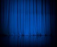 Занавес или задрапировывает голубую предпосылку театра стоковые изображения