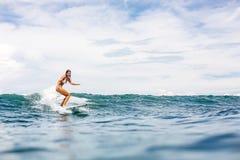 Заниматься серфингом весь день стоковая фотография rf