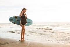 Заниматься серфингом весь день стоковое фото rf