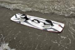 заниматься серфингом змея доски Стоковая Фотография RF