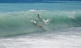заниматься серфингом тела Стоковая Фотография