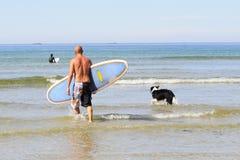 заниматься серфингом уклада жизни Стоковая Фотография RF
