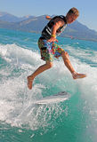 занимаясь серфингом бодрствование Стоковые Фотографии RF