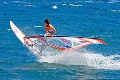 занимаясь серфингом ветер Стоковое фото RF