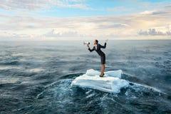 Занимаясь серфингом море на ледяном поле Мультимедиа Стоковые Фото