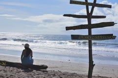Занимаясь серфингом пляж Esterillos Коста-Рика Стоковое Фото