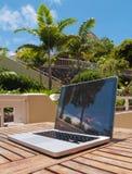 занимаясь серфингом tropics Стоковое Изображение RF