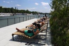 Заново преобразованные речные берега Сены Стоковое фото RF