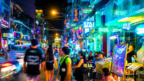 Занятая ночная жизнь в высоком городе Minh хиа Стоковые Изображения