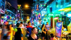 Занятая ночная жизнь в высоком городе Minh хиа Стоковое Изображение