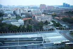 Занятая дорога перед университетом Fudan Стоковое фото RF