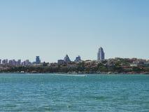 Занятый город, свое собственное море стоковое изображение