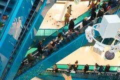 Занятый розничный торговый центр Стоковое фото RF