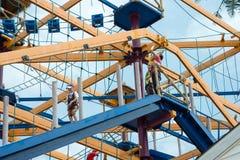 ЗАПАДНЫЙ БЕРЛИН, NJ - 28-ОЕ МАЯ: Diggerland США, парк приключения конструкции тематический стоковые фотографии rf