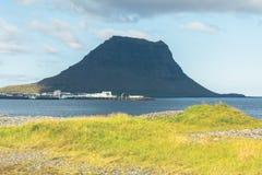 Западный исландский ландшафт горы Kirkjufell Стоковое Изображение