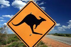 запад знака кенгуруа Австралии предупреждающий Стоковые Фотографии RF