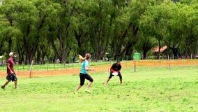 Запас Frisbee акции видеоматериалы