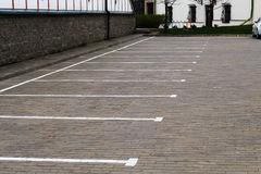 запачкайте движение надписи высоты автомобилей понижаясь свободное никакое место для парковки Стоковая Фотография RF