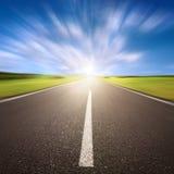 Запачканная движением пустая дорога асфальта стоковая фотография rf