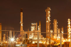 Запачканная индустрия фабрики масла и рафинадного завода для предпосылки Стоковые Фотографии RF