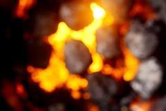 Запачканная предпосылка горячих накаляя углей Стоковые Изображения RF