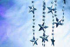 Запачканная предпосылка с гирляндой звезд Стоковые Фотографии RF