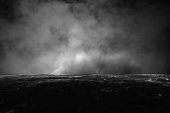 Запачканная темная вода и темное небо Стоковые Фотографии RF